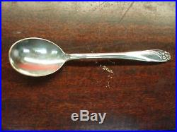 1847 Rogers Bros. Daffodil Pattern Extra Large (91 Pc.) Silver Plated Flatware