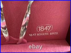 1847 Rogers Brothers IS Flair Silverplate Silverware Flatware 68 Piece Set VGC