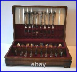 1847 Rogers Brothers Remembrance 52 Piece Silver Plate Flatware In Wood Box
