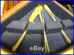 1881 Rogers Oneida 1939 DEL MAR Silverplated Flatware 102 Pc Set with Legged Box