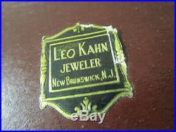 1881 Rogers Oneida Capri Pattern Flatware 68 PCS LEO KHAN JEWELERS WOODEN BOX