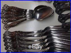 25 PIECE LOT1847 Rogers Bros. VINTAGE (GRAPE) Silverplate PatternEXCELLENT