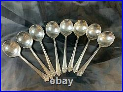 74 PIECE 1847 ROGERS BROS. 1931'HER MAJESTY' SILVER-PLATE SET With Box 790