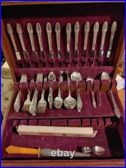 77 pcs 1847 Rogers Bros 1938 First Love Silverplate Flatware & Box One Owner