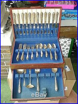 80 Piece Service For 12 Wm Rogers Memory Hiawatha 1937. Case not included