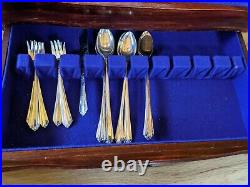 93 Pcs Of Vintage Wm Rogers IS 1939 Starlight Silverware Flatware WithChest