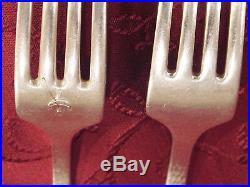 Antique 1847 Rogers Bros 70 pc 1916 Heraldic Hammered Silverplate Flatware Set
