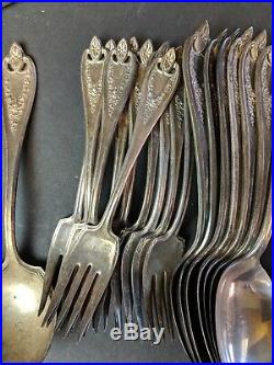 Lot of 35 1847 Rogers Bros OLD COLONY 1911 Flatware serving pieces silverware