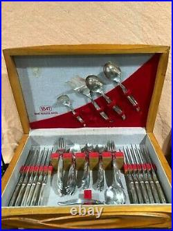 Rogers 1847 Flair Silverplate Service for 12 Flatware 69 pieces Vintage