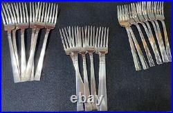 William A Rogers Stainless silverware (93 pc.)
